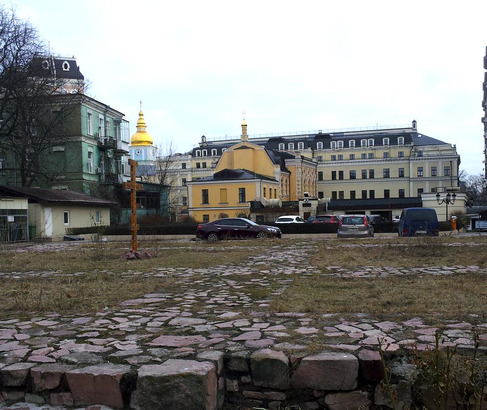 Церковь Феодора Тирона, Киев