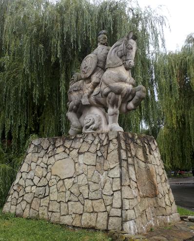 Памятник Святославу в Киеве - Великие князья Киевские