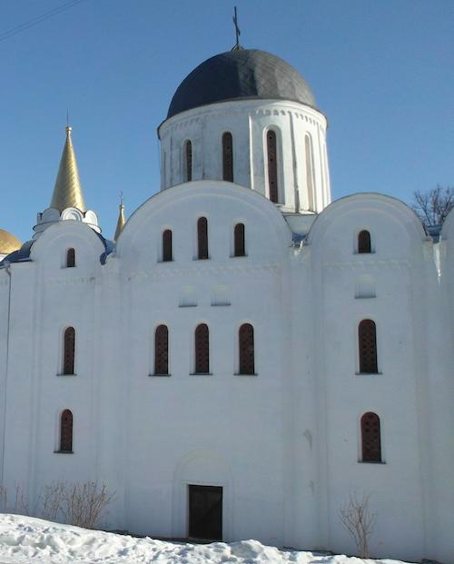 Борисоглебский Соборй Чернигова - место, где были захоронены Великие киевские князья черниговской династии Ольговичей